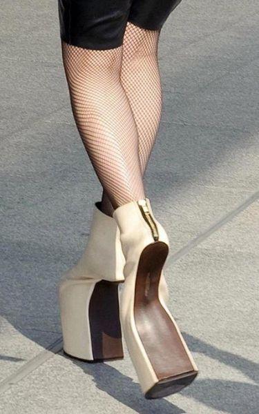 Insane_hign_heels_640_22
