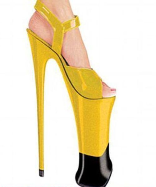 Insane_hign_heels_640_23
